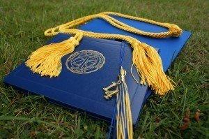 rp_graduation-907565_640-300x1991-300x199.jpg
