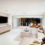 4 Reasons to Buy a Luxury Property