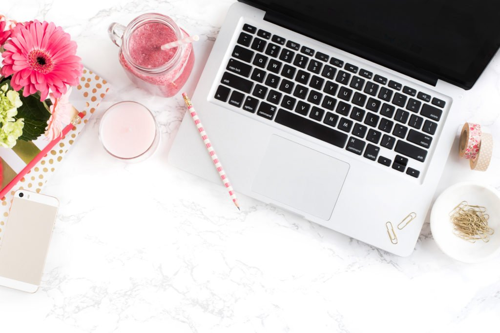Here is my ultimate guide on how to start a blog so that you can be successful and start a blog with my best blogging tips. Enjoy!