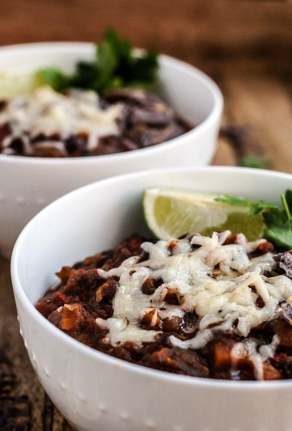 Naghahanap para sa mga recipe ng badyet? Narito ang 10 murang madaling pagkain na dapat mong simulan ang paggawa Oo, ang mga ito ay murang pagkain na masarap! width = &quot;600&quot; height = &quot;884&quot; /&gt; </p> </p> <h3> 7. Vegan Quinoa Lasagna Casserole </h3> <p style=